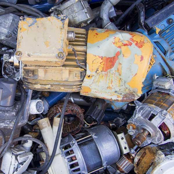 Mischschrott & Motoren - Metallrecycling bei RRB Rohstoff Recycling Bergheim GmbH